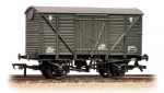 38-162 Bachmann Branchline 12 Ton BR Planked Ventilated Van Departmental Olive Green